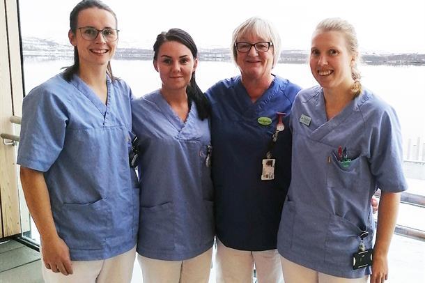 Bilde av fysioterapeut Sonja Jørgensen, hjelpepleier Lena Torbjørnsen, hjelpepleier Brith Olsen og ergoterapeut May-Britt Moen